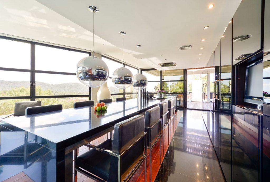 1 Ibiza Kingsize Villa In Can Furnet