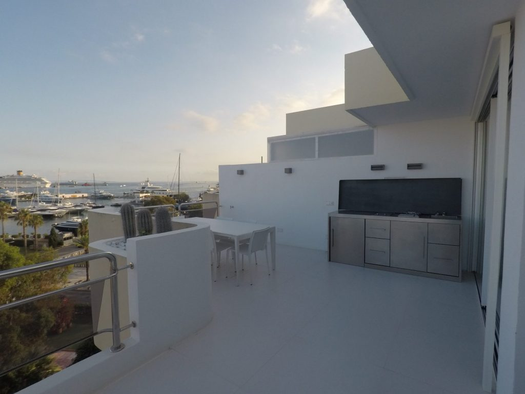 16 Ibiza Kingsiize.com