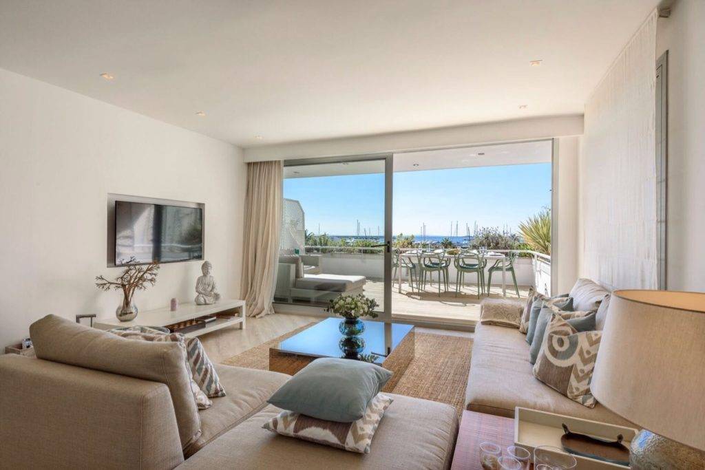 17 3 Bedrooms Luxury Flat With Terrace And Sea Views 2
