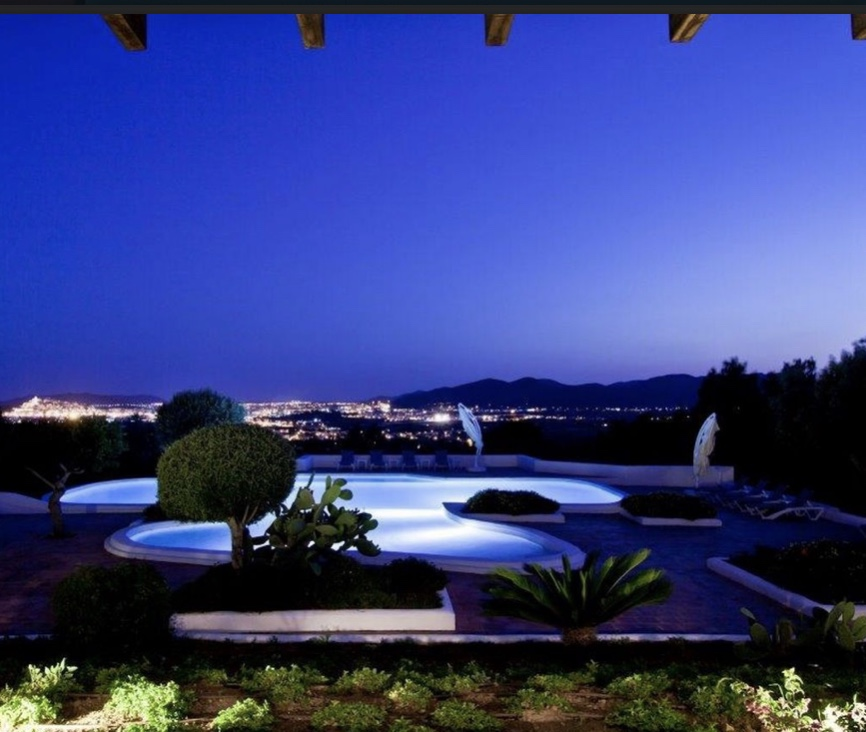 20 Villa Close To Can Furnet Ibiza Kingsize.com