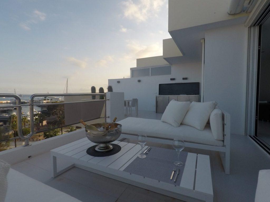 21 Ibiza Kingsize.com
