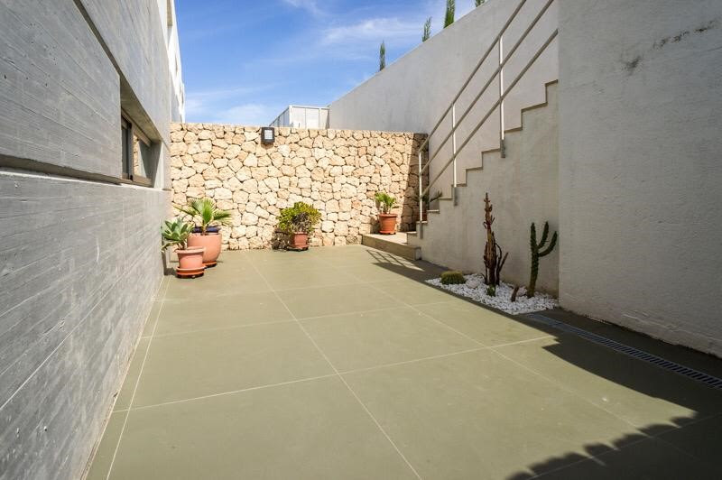 Luxury Townhouse In Roca Llisa 10