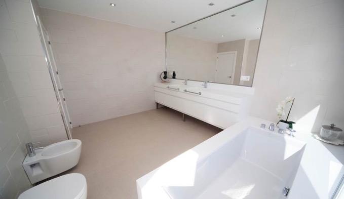 Villa In Cap Martinet Huge Bathroom With Sea View