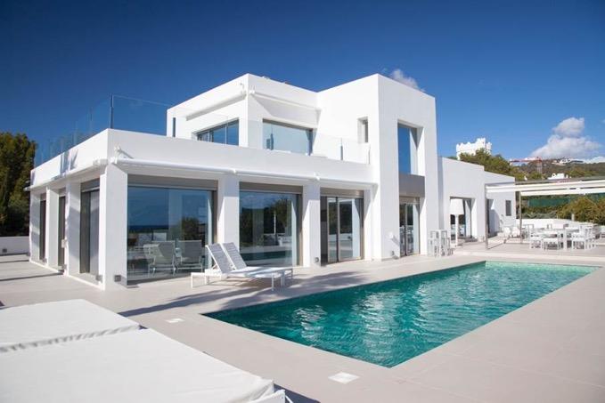 Villa In Cap Martinet With Sea View