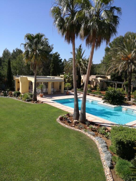 Villa In Santa Eularia 11
