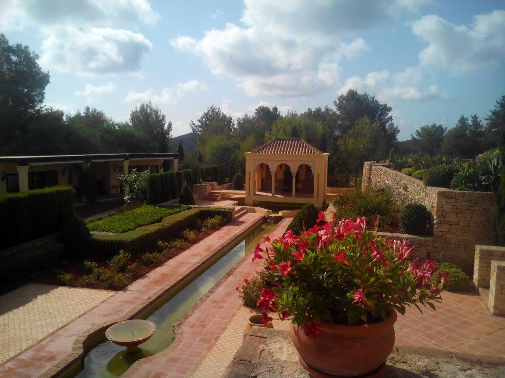 Villa In Santa Eularia 2