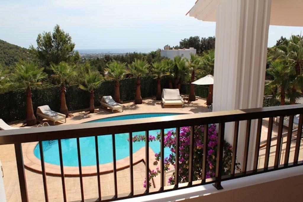 Balcony Terrace Pool Clubs Sunbathe Sunlounger Ibiza Villa