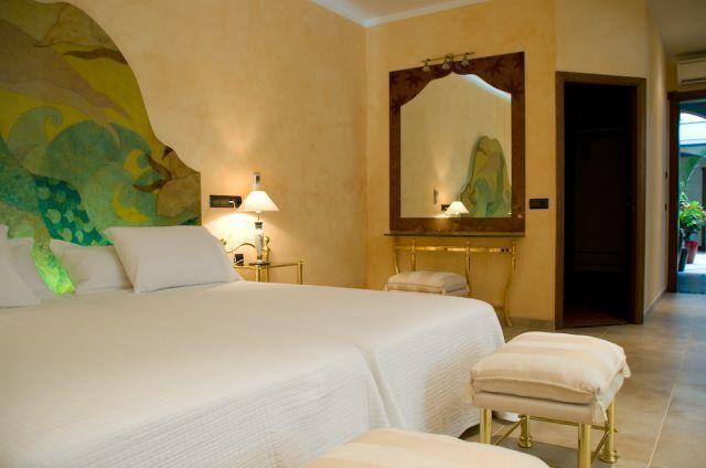 Bedroom Ibiza Villa Mirror
