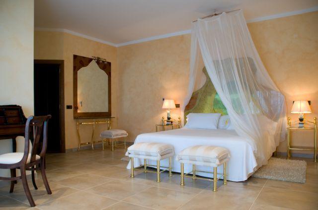 Bedroom Villa Ibiza Mirror