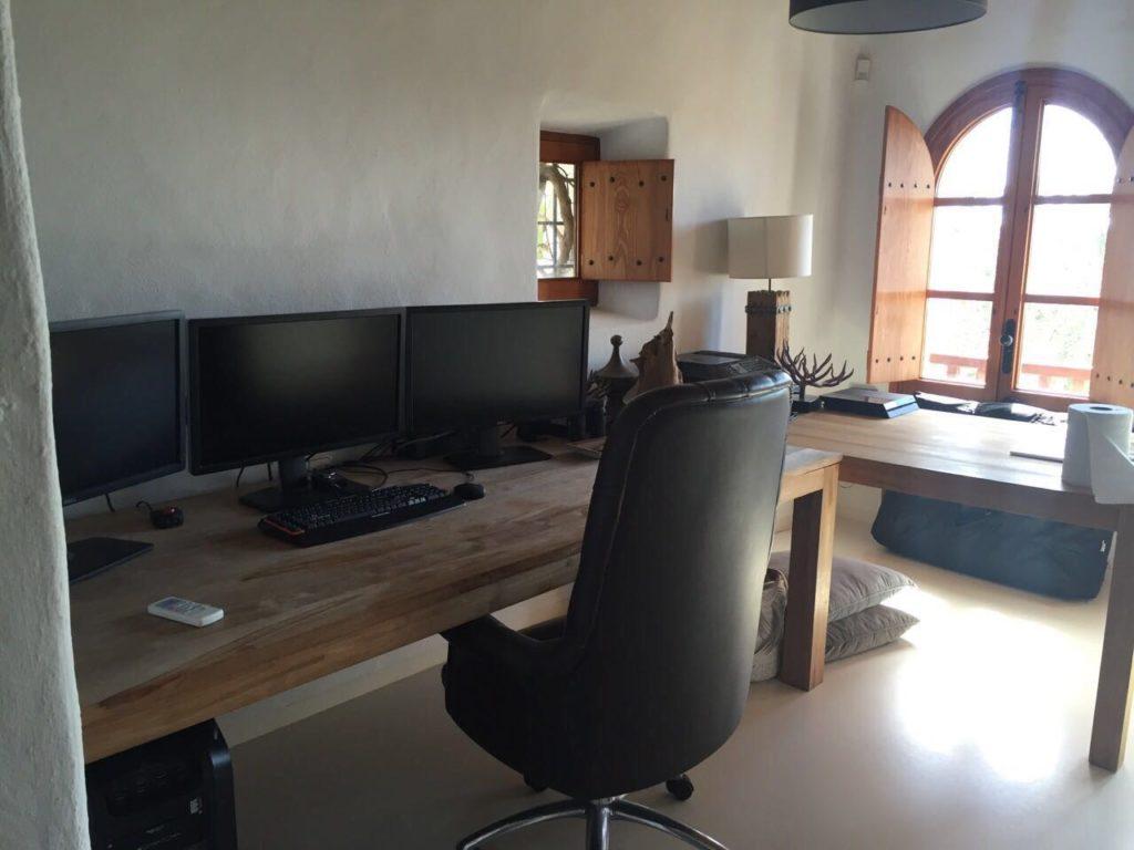 Desk Office Monitors Ibiza Villa
