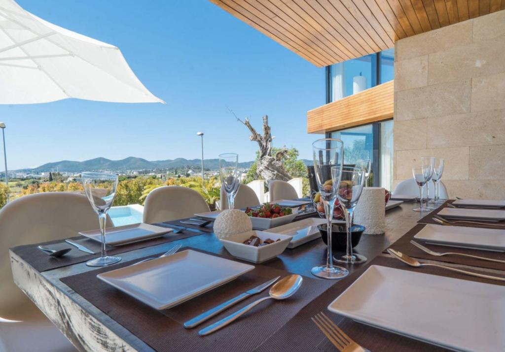 Enjoy Outside Dinner Talamanca Ibiza