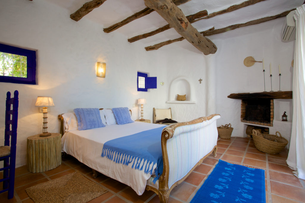 Finca Blue Bed Special Traditional Ibiza White Quirky
