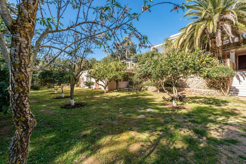 Garden Bed Finca Ibiza Villa