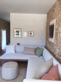 Guest House Cozy Sofa 1