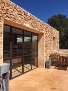 Guest House Loft Spirit Cala Jondal Ibiza Windows