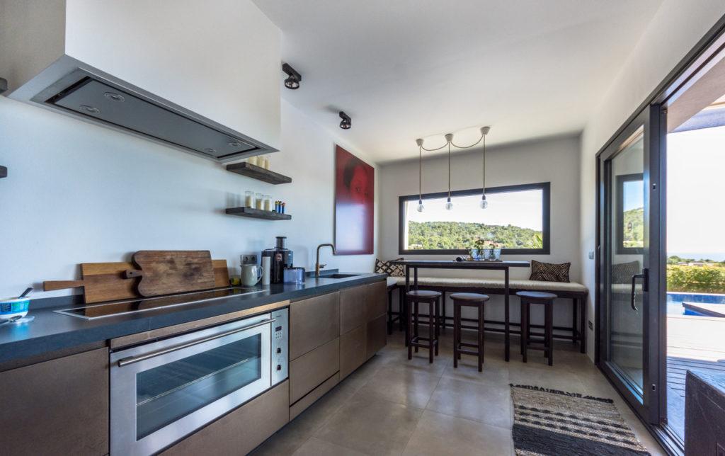 Huge Kitchen 1