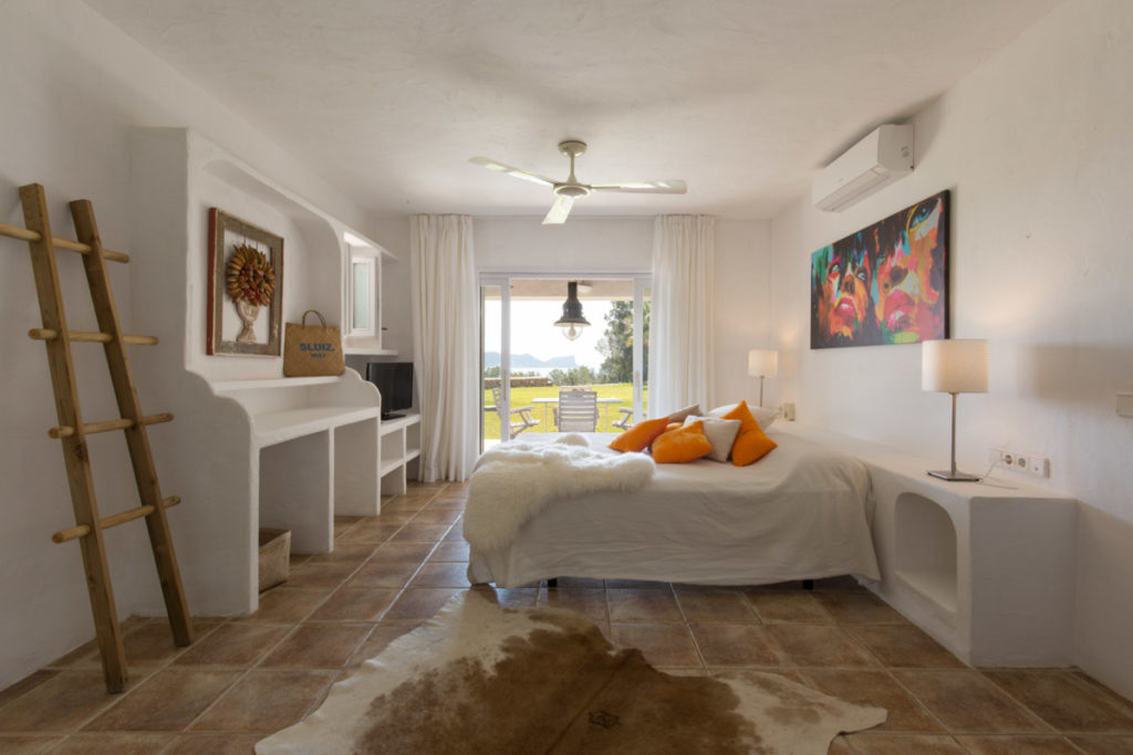 Ibiza Villa Finca Cosy Charming Stunning Luxury Character Modern Art