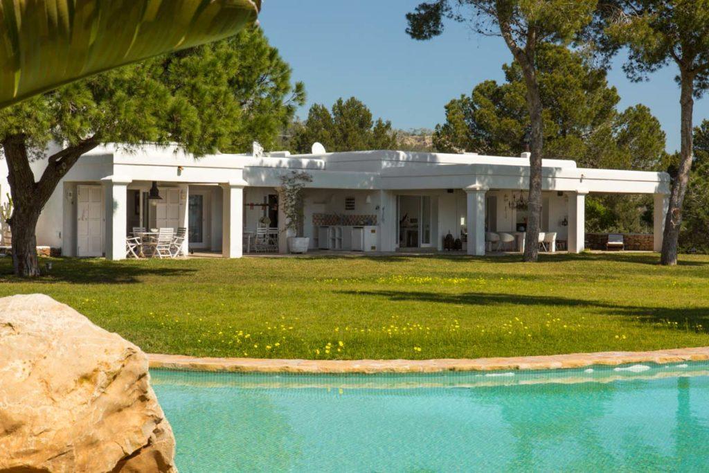 Ibiza Villa Pool Lake Columns Exterior Garden