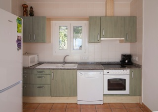 Kitchen Ibiza Villa Green Clean