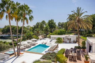 Luxury Family Villas Ibiza Poolside
