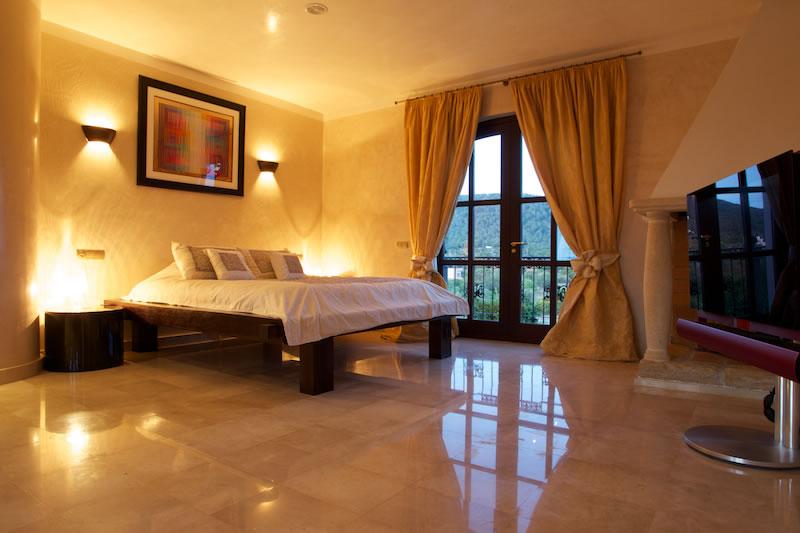 Luxury Rentals Ibiza Villa Cala Jondal 35