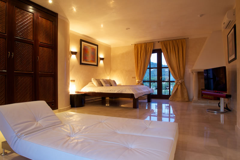 Luxury Rentals Ibiza Villa Cala Jondal 36