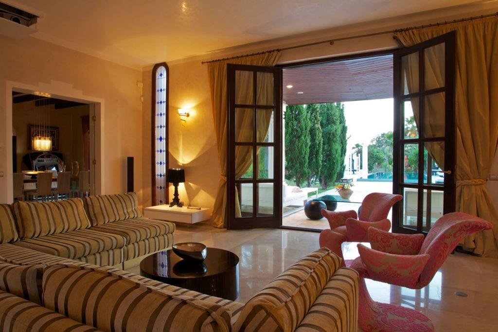 Luxury Rentals Ibiza Villa Cala Jondal Bedroom