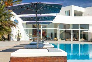 Mega Pool Villa Ibiza