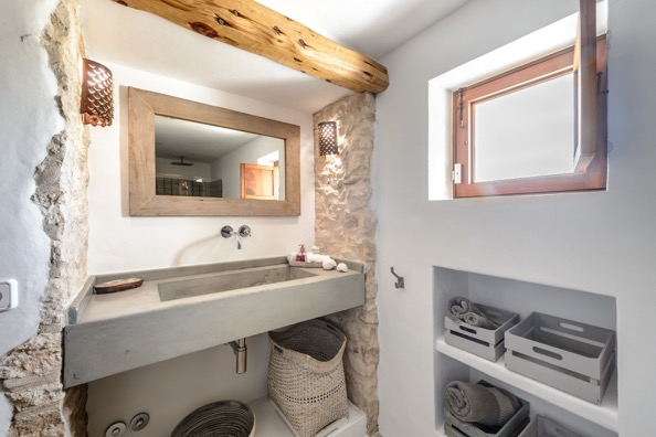 Mirrow Bathroom Villa Ibiza