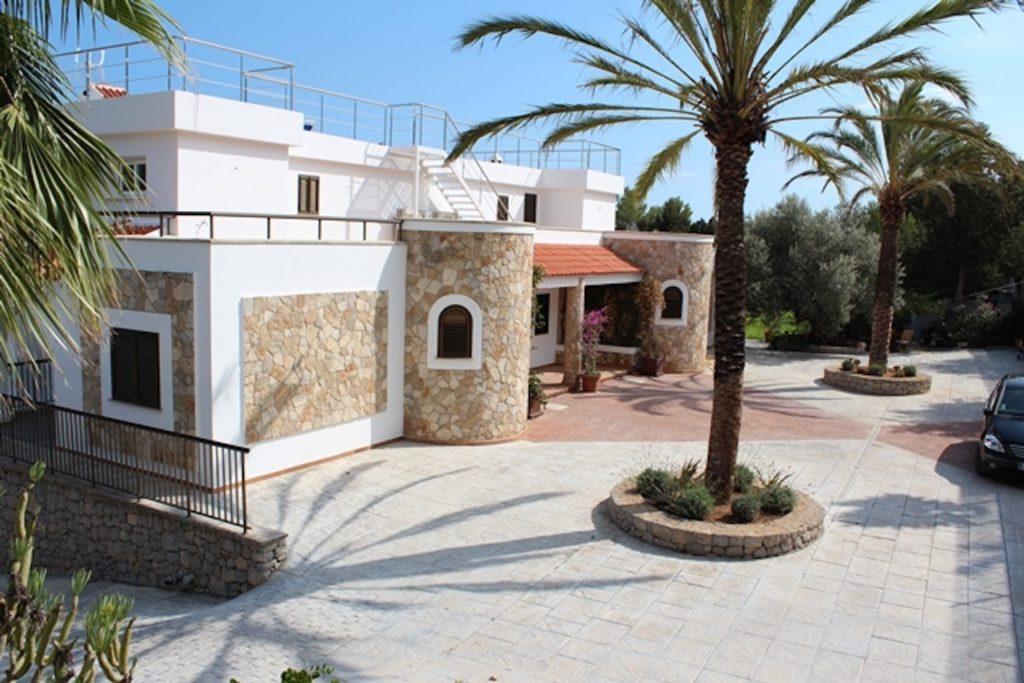 Palm Tree Parking Ibiza Villa Stone
