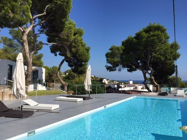 Sea Poolside Luxury View Contemporary Villa