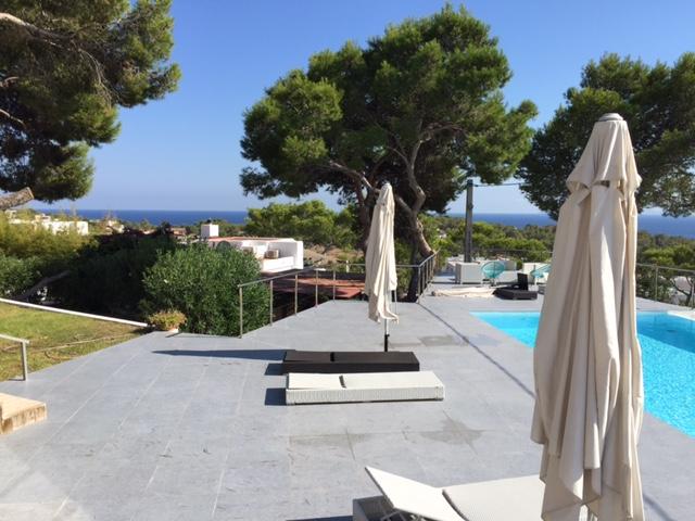 Sea View Contemporary Villa Poolside Luxury