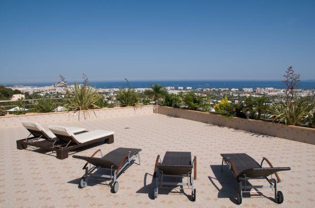 View Sea Ibiza Sunlounger
