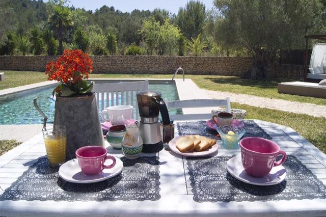 Villa Brekfast Table Enjoy The Silence Ibiza