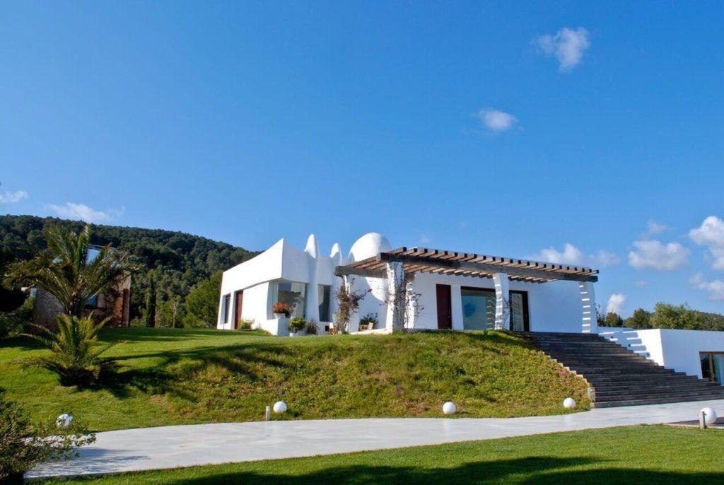 Villa Ibiza Finca Driveway