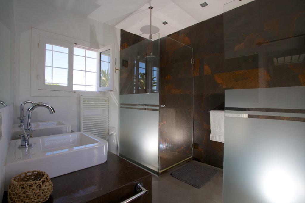 Villa Ibiza Modern Bathroom Cool