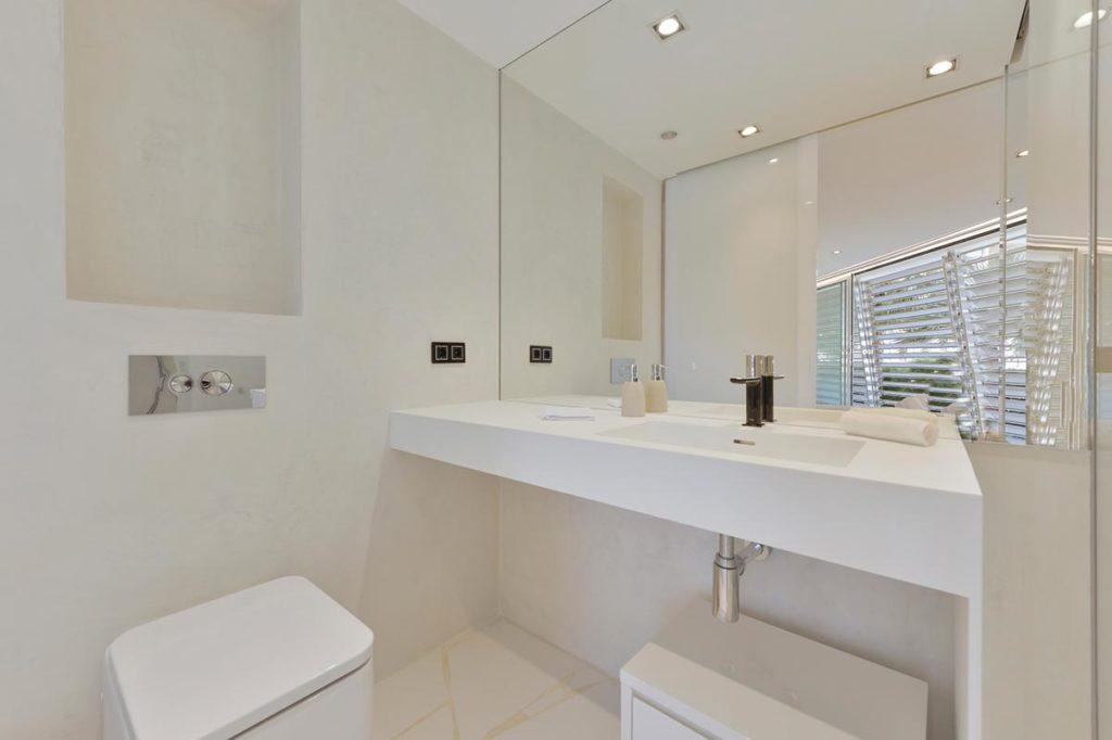 Villa Thirteen Bedrooms Bathroom Ibiza