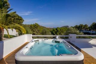 Villas In Ibiza Town Porroig Jacuzzi