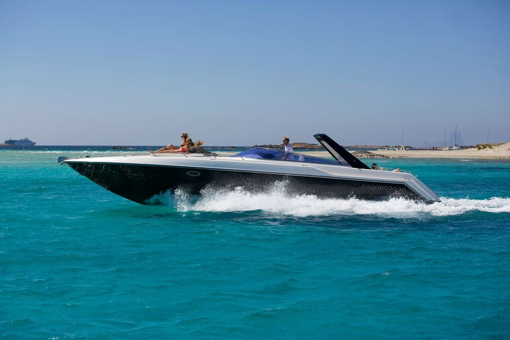 43 Sunseeker Thunderhawk Good News Ibiza
