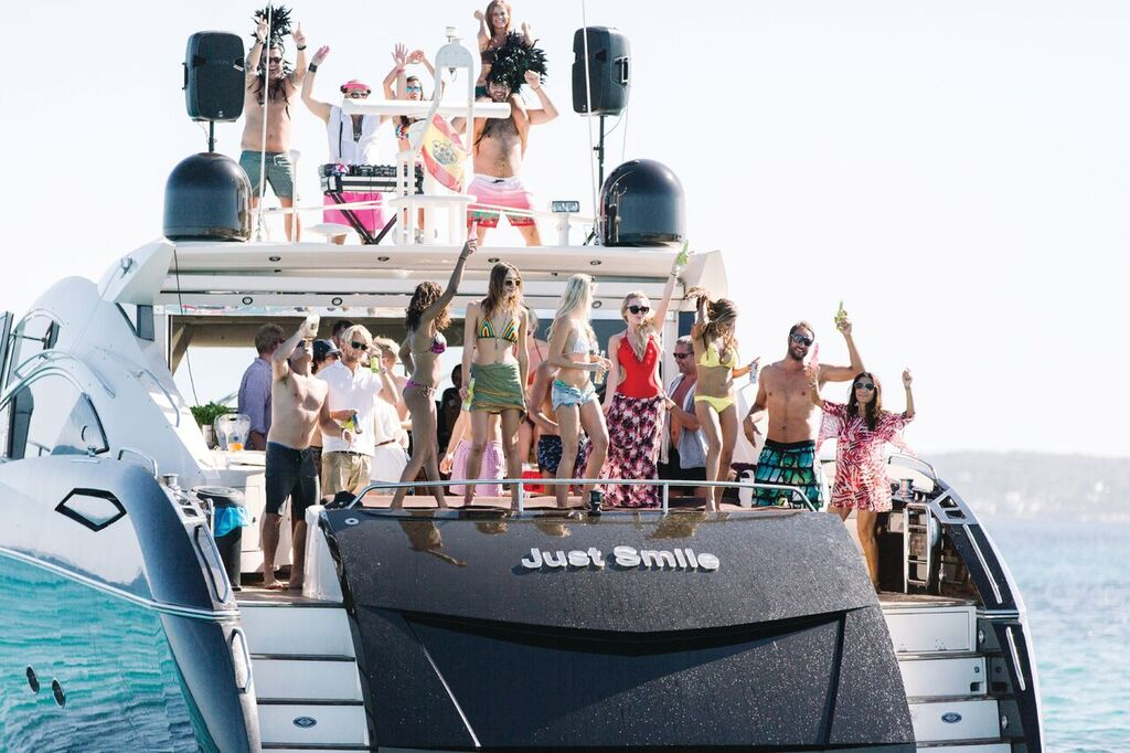 82 Sunseeker Predator Just Smile Ibiza Boat Yacht Luxury