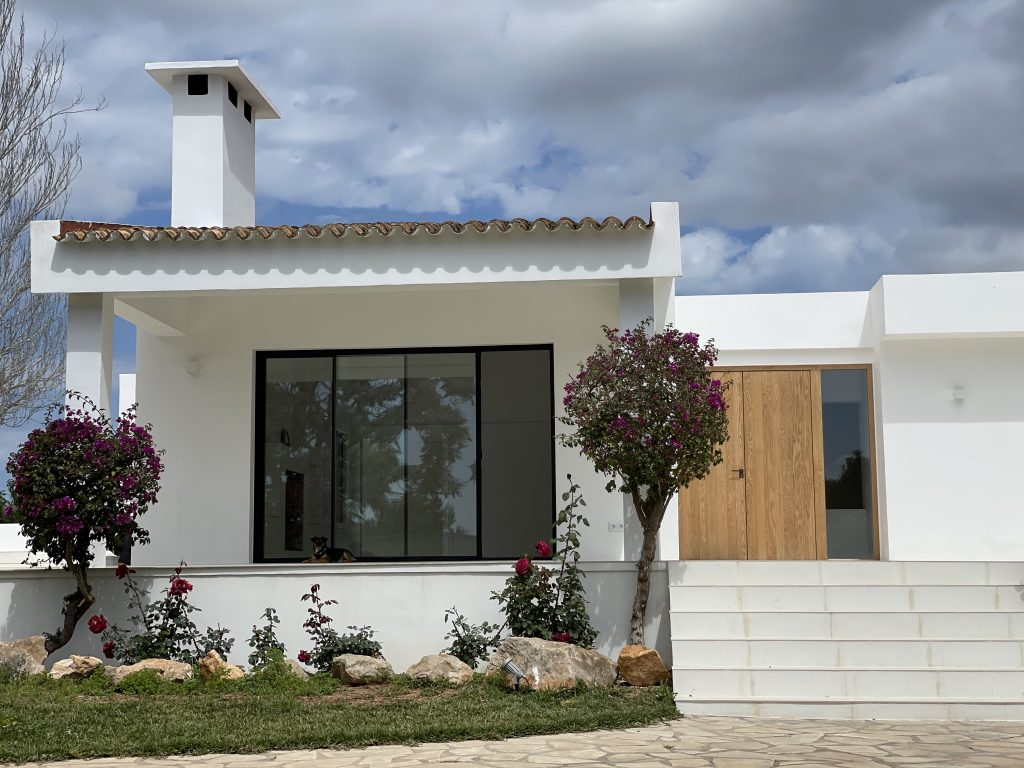 8 Villa With Amazing Views Ibiza Kingsize.com