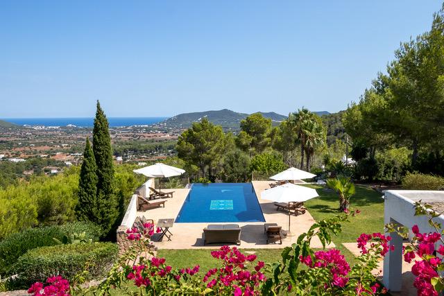 3 Villa Santa Eularia