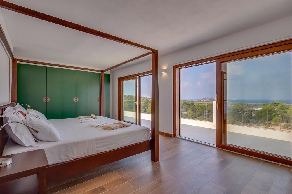 10 Villa Cala Comte
