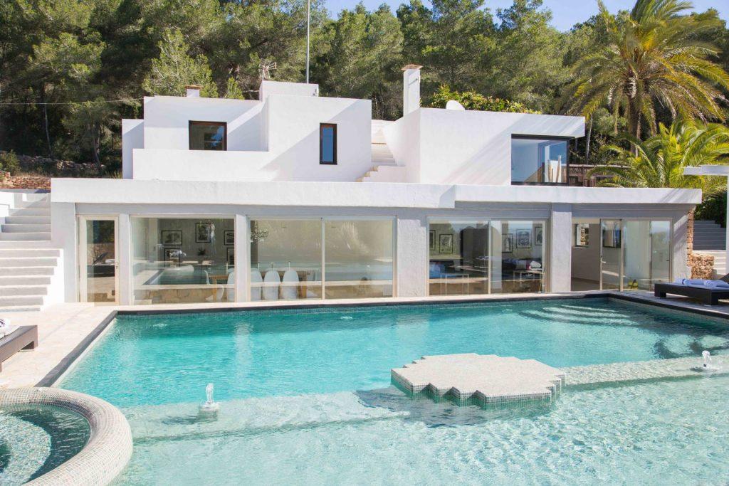 30 Ibiza
