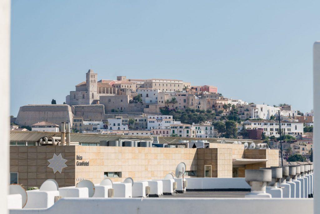 47.Ibiza Kingsize.com