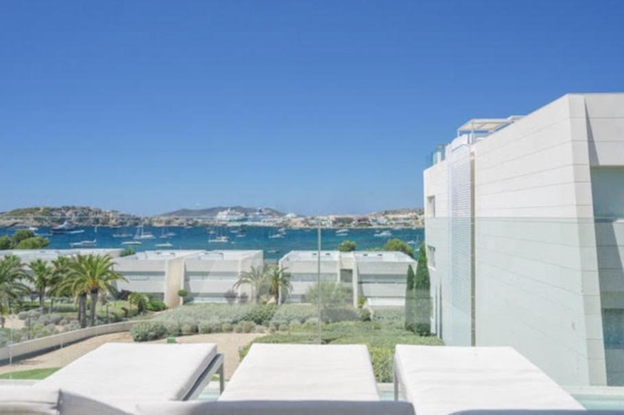 1 Ibiza Kingsize Apartment Es Pouet