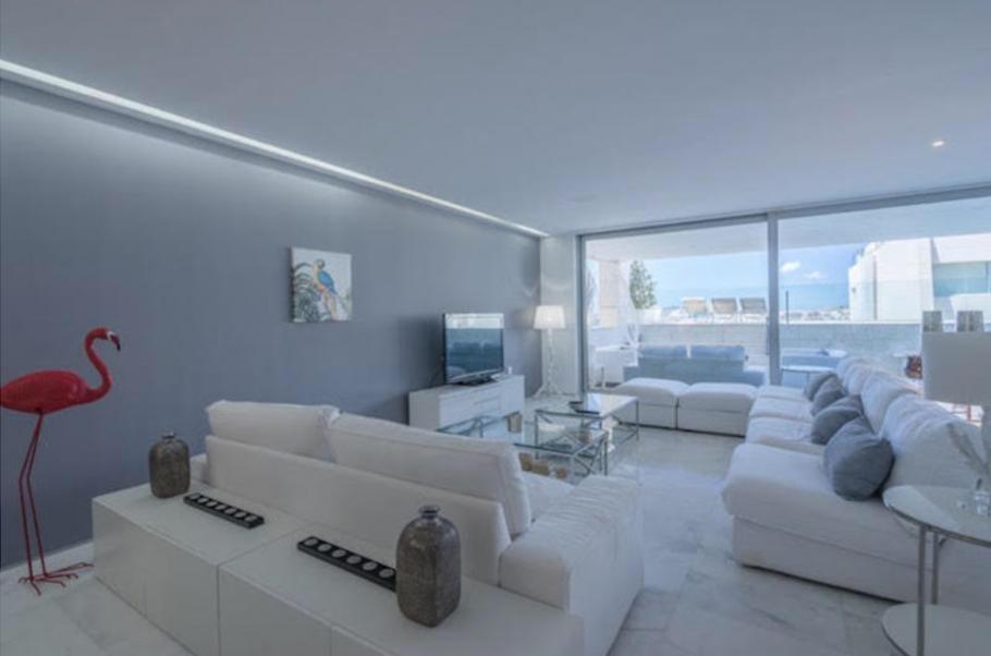 10 Ibiza Kingsize Apartment Es Pouet