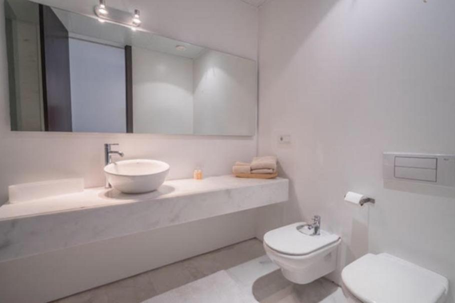 11 Ibiza Kingsize Apartment Es Pouet