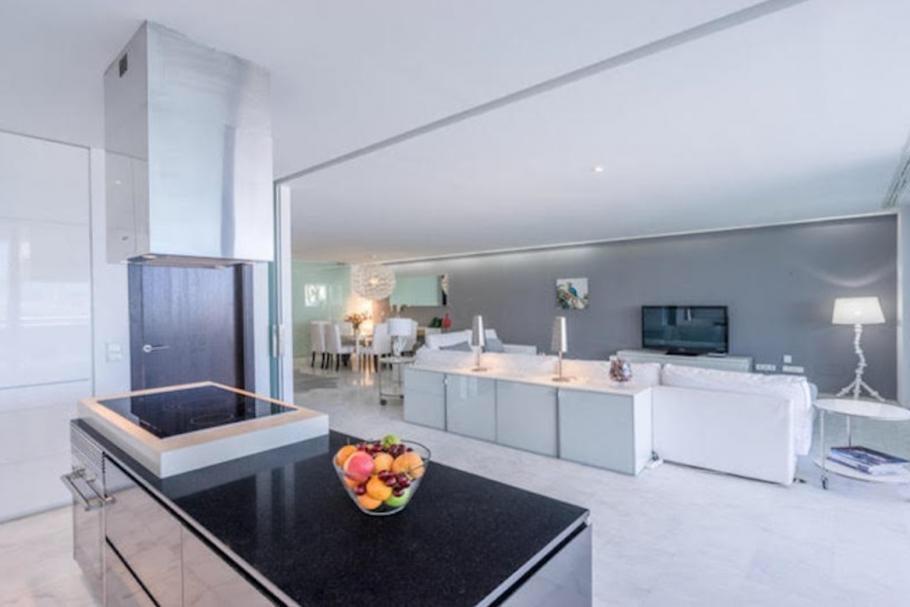 20 Ibiza Kingsize Apartment Es Pouet