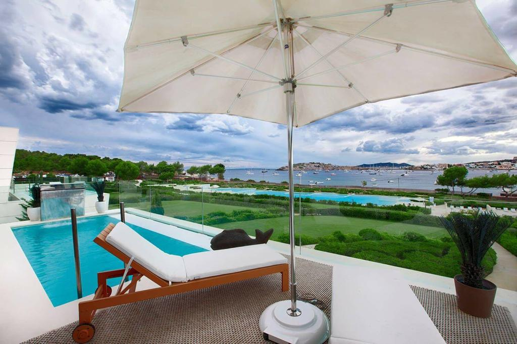 20 Ibiza Kingsize Apartment Es Pouet